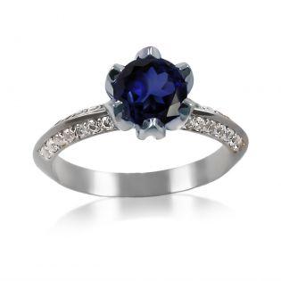 Золотое кольцо с крупным сапфиром «Тюльпан»