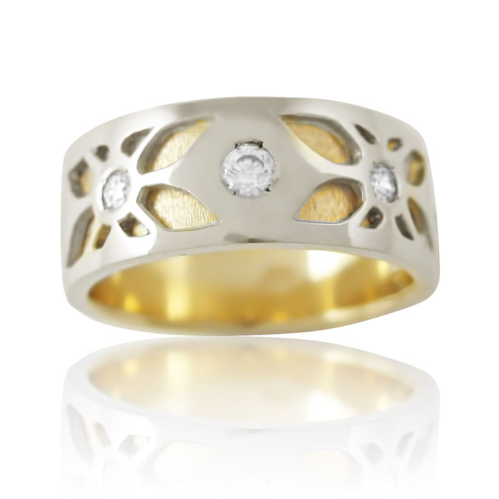 Золота обручка з діамантами «Amore mio I»
