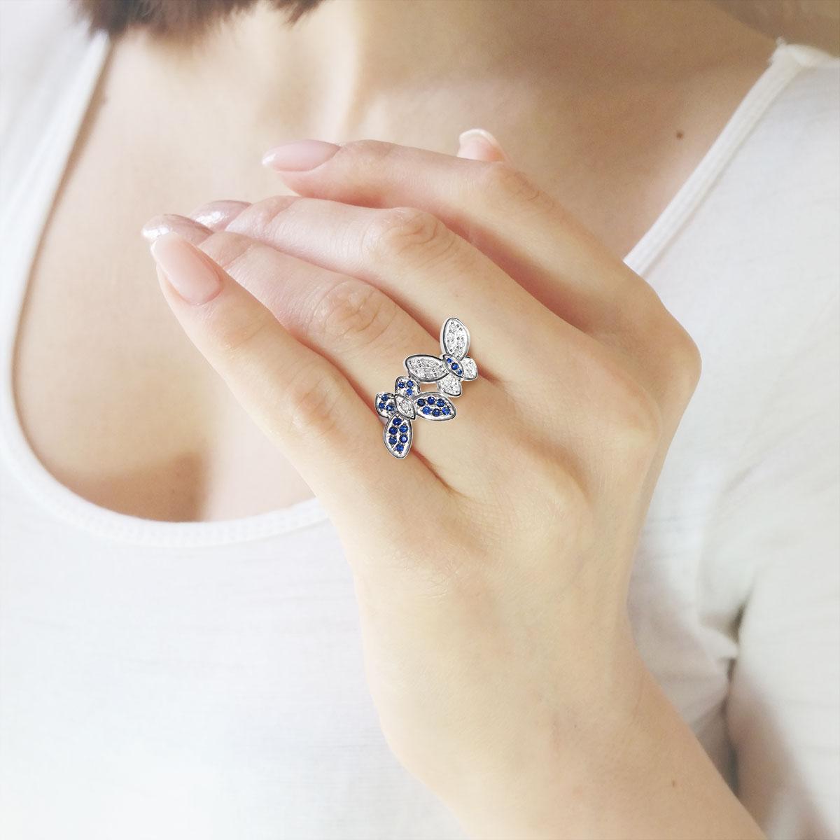 Эксклюзивное кольцо с бриллиантами и сапфирами «Танец бабочек»