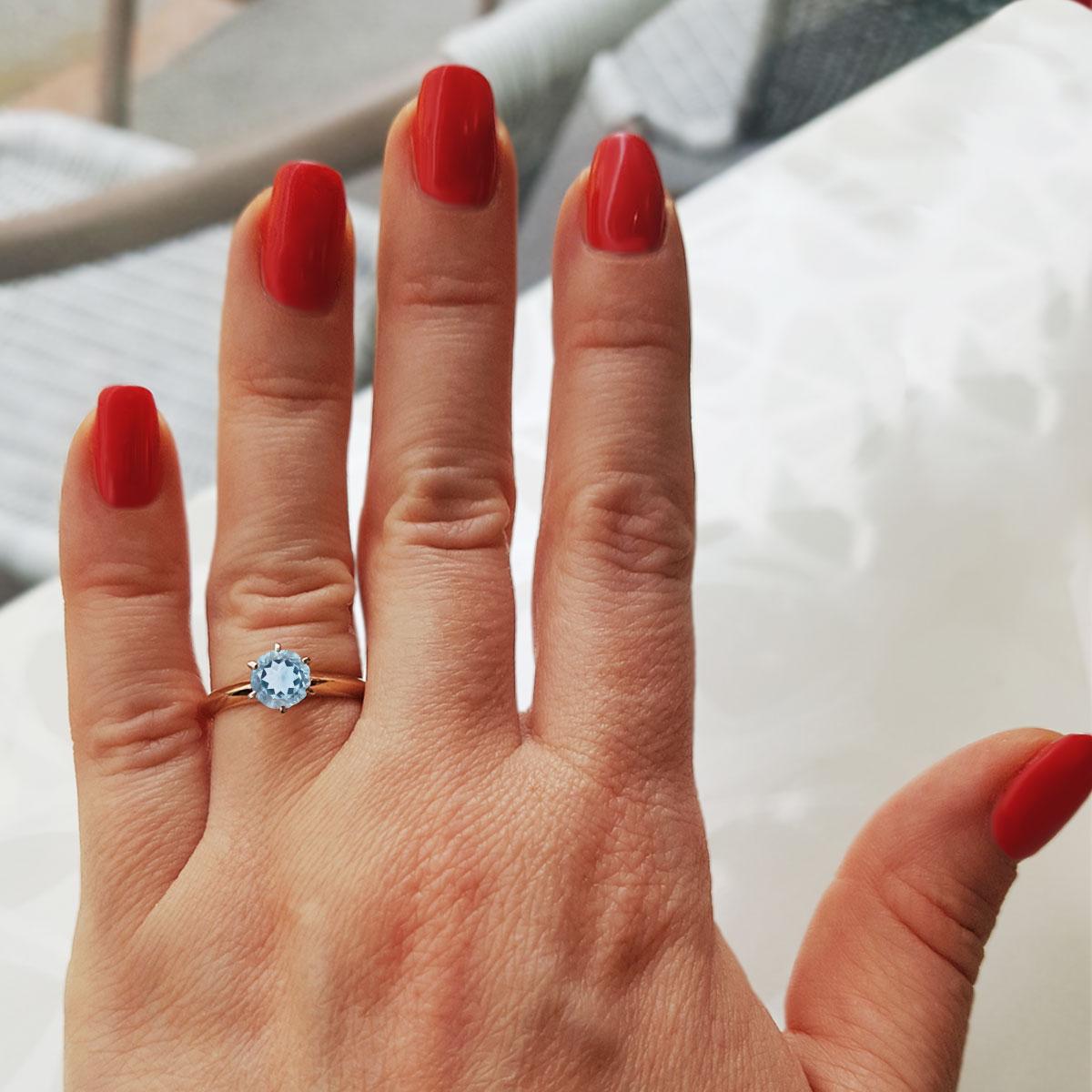 Кольцо на помолвку с топазом «Век любви бесконечен»