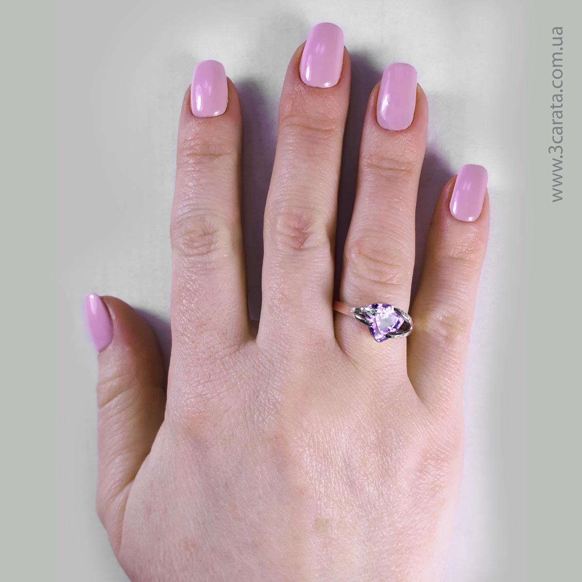 Золоте кольцо з аметистом «Мадера»