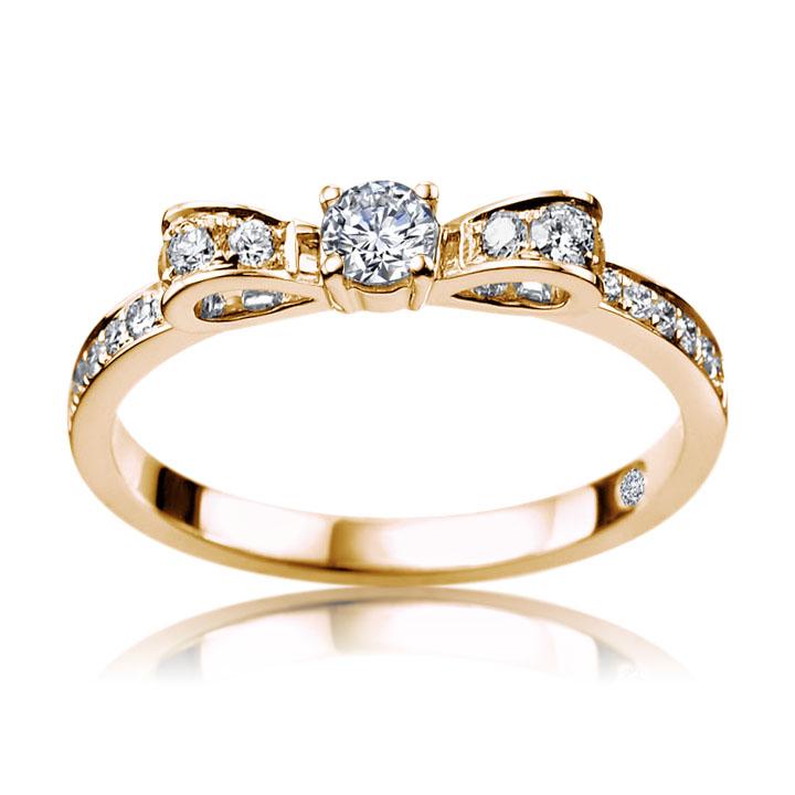 Помолвочное кольцо бантик с бриллиантами «Подарок судьбы»