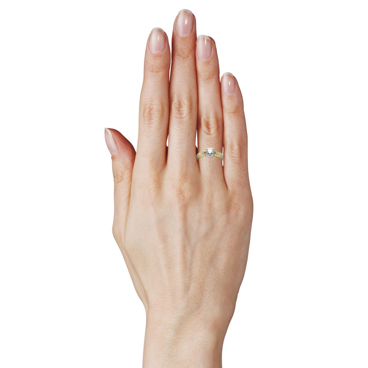 Классическое кольцо на помолвку с бриллиантом 0,50 Ct «Принцесса Виктория»