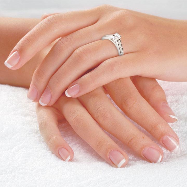 Золоте заручальне кольцо з діамантами «Kapella»