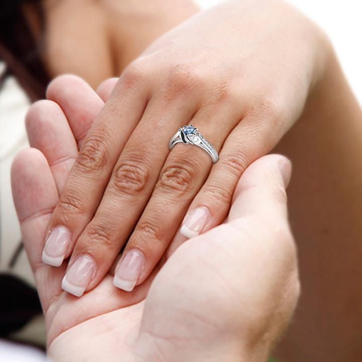 Кольцо з аквамарином і діамантами на заручини «Mare»