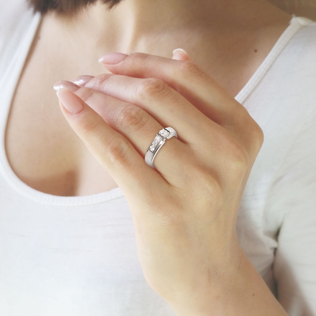 Золотое кольцо для помолвки с бриллиантами «Samanta»