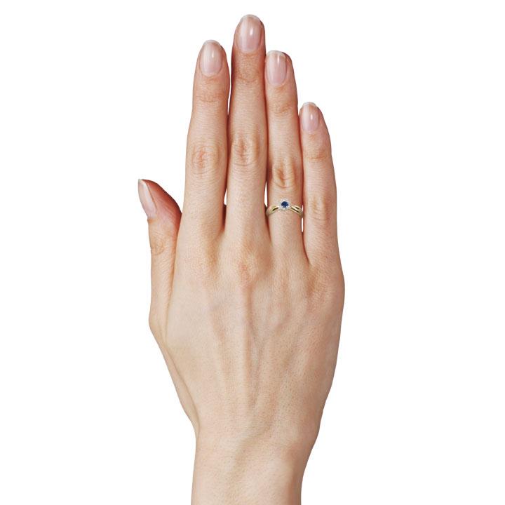 Золотое кольцо с сапфиром и бриллиантами «Франсуаза»
