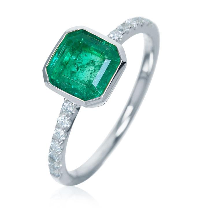 Золотое кольцо для помолвки с изумрудом «Hollie»
