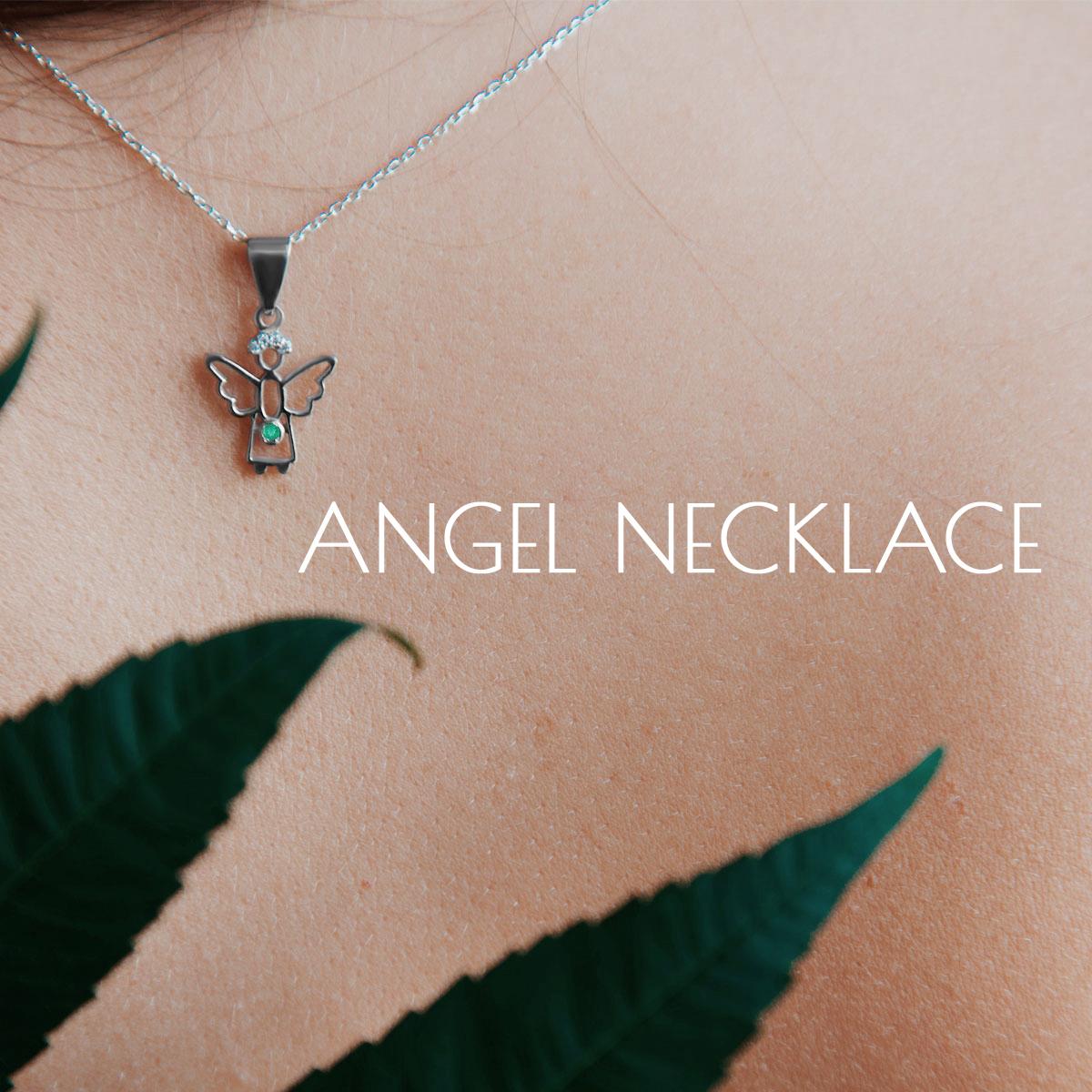 Підвіска янголя з смарагдом і діамантами 'Gentle angel'