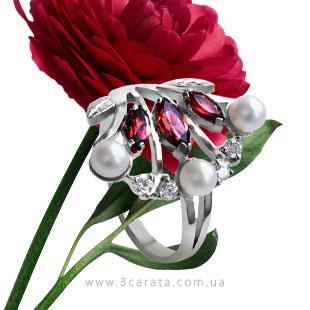 Золотое кольцо с рубином и жемчугом 'Камея'