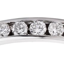 Золотое обручальное кольцо бриллианты