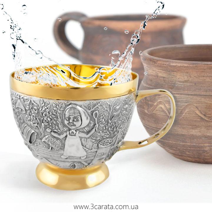 Чашка зі срібла з позолотою 'Маша та медвідь'