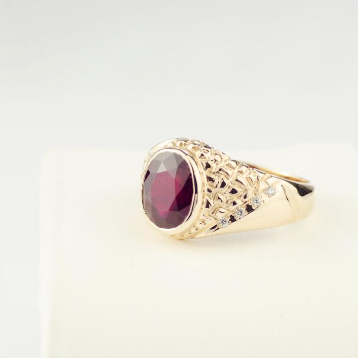 Мужское кольцо с крупным рубином 'Персидский Шахиншах'