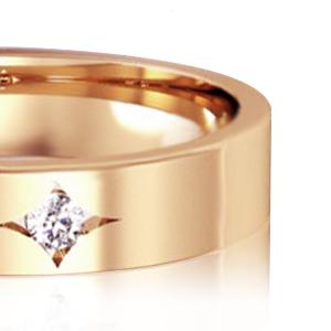 Золота обручка діамант