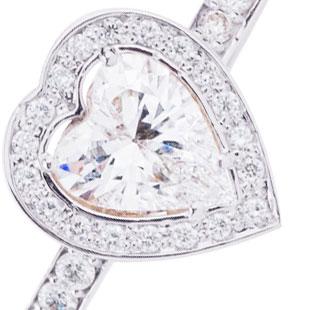 Эксклюзивное кольцо для помолвки 'Бриллиантовое сердце'
